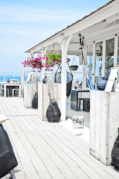 Seaside Style❤️!!! Bebe'!!! Love this outdoor deck at the beach house!!!