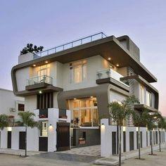 Best Modern House Design, Modern Exterior House Designs, Bungalow House Design, House Front Design, Dream House Exterior, Cool House Designs, Exterior Design, Modern Bungalow, Facade Design