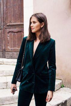 suits for women professional work outfits, velvet suit for women, green power suit Velvet Suit, Velvet Blazer, Velvet Jacket, Velvet Style, Fashion Weeks, Fashion Outfits, Fashion Trends, Blazer Fashion, Fashion Clothes
