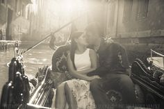 PHOTOGRAPHER IN VENICE ITALY #venice #romantic #fun #photowalk #photoshoot #photosession #photographer #venicephotographer #photographervenice #couple #vacation #portrait #venicephotowalk #goodtimes #happiness #photography #honeymoonphotography #couplephotography #couplesphotos #honeymoon #elopement #engagement #prewedding #lovestory #italy #veniceitaly #travelitaly #venezia #italia #fotografovenezia