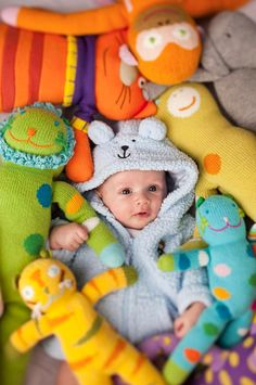Somewhere, there's a picture of my little sister in her crib surrounded by stuffed animals, like this picture. The difference is, she actually slept among the stuffies. Cute Babies Photography, Children Photography, Baby Pictures, Baby Photos, Little People, Little Ones, Baby Kids, Baby Boy, Kids Lehenga