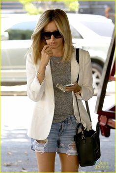 Ashley Tisdale's Manicure is Just Too Pretty For Words | ashley tisdale pretty manicure 901 salon 04 - Photo