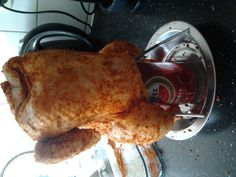 beer can chicken 17-2-2013  de kip is er klaar voor