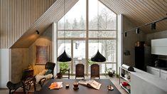 Největším a nejkrásnějším prostorem v domě je propojená obytná zóna, která se...