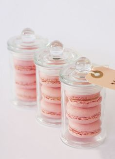 wedding favors sweet Macarons with adorable packaging
