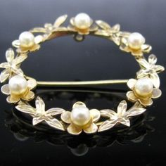 #Garland #Pearl #Brooch 9k #Gold #Jewelry #The #Antiques #Room #Galway #Ireland Pearl Jewelry, Gold Jewelry, Jewellery, Diamond Rings, Diamond Engagement Rings, Galway Ireland, Pearl Brooch, Bangles, Bracelets