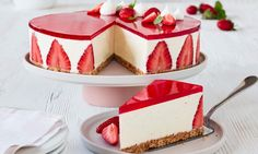 Cheesecake with vanilla and strawberry jelly recipe Easy Cheesecake Recipes, Cheesecake Bites, Dessert Recipes, Turtle Cheesecake, Lemon Cheesecake, Strawberry Cheesecake, Fancy Desserts, Delicious Desserts, Yummy Food