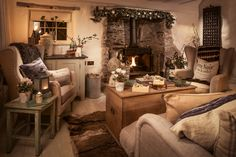 Fairytale luxury self-catering thatched cottage St Agnes, luxury thatched holiday Cottage St Agnes north Cornwall Cottage Living Rooms, Cozy Living, Living Room Interior, Cosey Living Room, Country Living Room Rustic, Country Lounge, Fairytale Cottage, Self Catering Cottages, Cozy Cottage