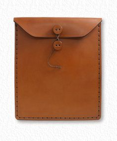 iPad Case or Leather Envelope – My Work Style! Leather Gifts, Leather Craft, Sewing Leather, Leather Briefcase, Leather Wallet, Leather Factory, Pen Case, Leather Projects, Leather Design
