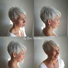 #korthår #shorthaircut #womenslook #grayhair #fashion #fashionhair #naturalgrey #janeiredale #makeup #hverdagslook #redlips Hår og sminke…