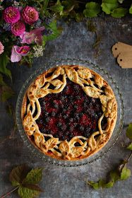 ...konyhán innen - kerten túl...: Szedres-málnás pite Pie, Desserts, Food, Torte, Tailgate Desserts, Cake, Deserts, Fruit Cakes, Essen