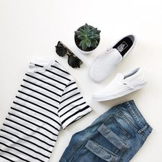 *Striped T-shirt, jeans, toms #Springoutfit