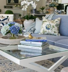 Designer Inspiration 💙 When styling your classic coffee table, keep it simple & stunning by bringing in three key accents: ✔️A tray ✔️Coffee table books ✔️Floral arrangement Coffee Table Styling, Coffee Table Books, Decorating Coffee Tables, New Farm, Outdoor Furniture Sets, Outdoor Decor, Dream Decor, Floral Arrangement, Hydrangeas