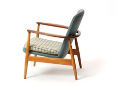 lounge chairs by Arne Vodder