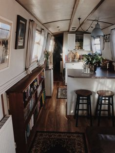 Bus Living, Tiny Living, Home And Living, Living Spaces, School Bus Tiny House, Bus House, Canal Boat Interior, Narrowboat Interiors, Houseboat Living