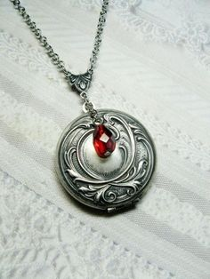Kette silber mit rotem Stein, silver necklace with red stone