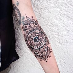 Tattoo Artist: Jessica K - Ulm, Germany www.tatteo.com #dotwork #dotworktattoo #mandala #mandalatattoo #snowflaketattoo #blackink #blackwork #blackworkers #germantattooers #armtattoo