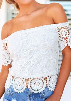 STYLE and FASHION - Quelle: http://www.lookbookstore.co/collections/tops/products/lace-off-shoulder-top