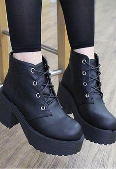 Black lace up platform ankle boots - korean lolita WANT
