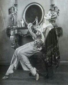 Thalia Barbarova 20's loungewear