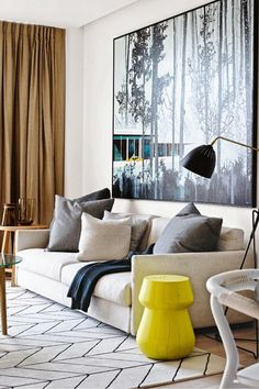 neutrals/wood/black + pop of colour (nb yellow in the artwork!) Lamp love