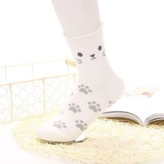 [COSPLACOOL] 1PCS Women Crew Socks Cartoon cat small footprint sweet cute cotton Socks Women calcetines Christmas Socks Gift