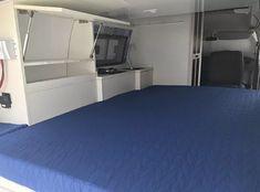 Apresentação   kombihome-giba Kombi Camper, Kombi Motorhome, Kombi Home, Campers, Flat Screen, Cabinet, Storage, Furniture, Home Decor