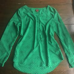 Long sleeve green blouse Green long sleeve blouse with a lovely all over pattern. 100% Polyester Merona Tops Blouses