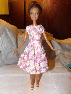Modest pink & white Daisy print full skirt by KelleysKreationsLV
