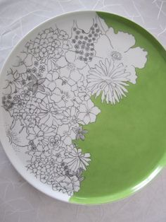 plate, black and white with colour