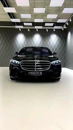 Mercedes Benz Maybach, Mercedes Benz Cars, Mens Outdoor Fashion, Black Audi, Armored Truck, Mercedez Benz, Benz S Class, Garage Design, Rolls Royce