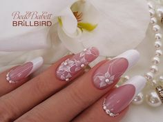 ♥ The best new nail polish colors and trends plus gel manicures, ombre nails, and nail art ideas to Fancy Nails, Cute Nails, Pretty Nails, My Nails, Floral Nail Art, Acrylic Nail Art, Bridal Nail Art, Bride Nails, Wedding Nails Design