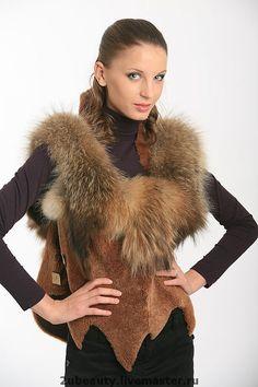 Edgy Bob Haircuts, Craft Fur, Luxury Fashion, Womens Fashion, Fashion Trends, Fox Coat, Fur Clothing, Classy Dress, Winter Dresses
