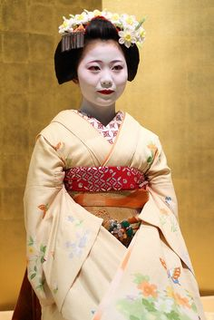 Maiko 舞妓 by Teruhide Tomori (busy in Tokyo), via Flickr