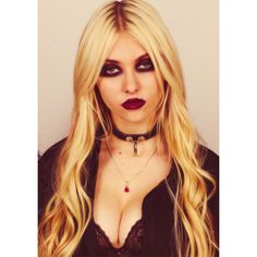 taylor momsen is Ambria's wannabe vampire ❤ liked on Polyvore featuring taylor momsen
