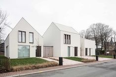 Woonproject - Residentieel - Park De Borchgrave - Zulte - ABS Bouwteam Minimalist Architecture, Japanese Architecture, Sustainable Architecture, Residential Architecture, Architecture Design, Japanese Modern House, Modern Tiny House, White Exterior Houses, Modern Exterior