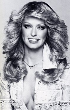 Farrah Fawcett photographed by Francesco Scavullo, 1975 - would kill for that hair Francesco Scavullo, 1970s Hairstyles, Vintage Hairstyles, Celebrity Hairstyles, Farrah Fawcett, Corpus Christi, 1970s Makeup, Pelo Vintage, Corte Y Color