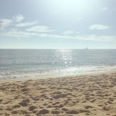 Quién eres tú para no ser brillante?   www.virusdlafelicidad.com  #virusdlafelicidad #playa #buenosdias #barcelona #pregunta #reflexion #inspiracion #brilla #tumejorversion #domingo