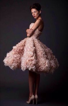 Love the shape and ruffles