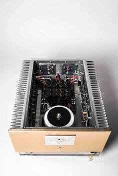 Mono & Stereo High-End Audio Magazine - Nagra - MSB Technology - CH Precision - Gryphon - Raidho - Totaldac - Living Voice - Viva Audio - Magico Diy Amplifier, At Home Movie Theater, Custom Pc, Audio Design, High End Audio, Shop Layout, Hifi Audio, Loudspeaker, Audiophile