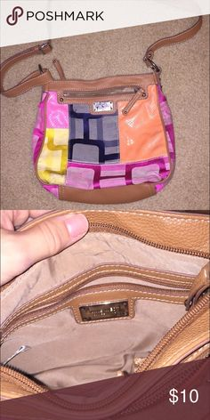 Nine West purse In great condition! Such vibrant colors, and looks cute with just about anything:) Nine West Bags Crossbody Bags
