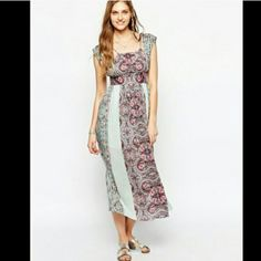 Free people printed maxi dress Beautiful dress with a small cutout on the back. Free People Dresses Maxi