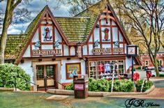 Chocolate House, Hershey PA - I would like to visit this place someday. Perhaps it's because I have completed a whole Unit on Chocolate that I have taught children over the years. Everyone needs a little chocolate. Chocolate House, Hershey Chocolate, Hersey Pennsylvania, Milton Hershey, Hershey Park, New York Attractions, All I Ever Wanted, Amusement Parks, Weekend Trips