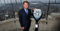 September 4, 2012: After announcing the 2012 Ryder Cup Team USA selections in Times Square, team captain Davis Love III set his sights on the views from our 86th floor Observatory.