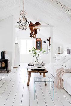 A lovingly restored Swedish farmhouse. My Scandinavian Home. Swedish Interior Design, Interior Design Minimalist, Swedish Interiors, Home Interior, Swedish Decor, Swedish Style, White Interiors, Modern Interior, Country Interior