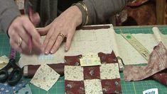 Passionné de loisirs créatifs et de couture ? Avez-vous pensé à réaliser un panneau décoratif en bloc de patchwork ? Savez-vous coudre à la main un bloc de patchwork ? Carole Maxwel, propriétaire d'une boutique de patchwork et de broderie (sequoiapatchwork.com), vous livre la technique de base pour assembler à la main un bloc de patchwork. Dans cette vidéo, cette spécialiste vous apprend à réaliser pas à pas un joli bloc de patchwork avec un contraste de tissu clair et tissu foncé. Il suffit…