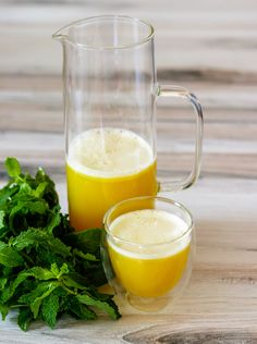 Pineapple Mint Juice | DIVERSE DINNERS Hurom Juicer, Summer Starter, Juicing With A Blender, Pineapple Mint, Cold Press Juicer, Gum Health, Fruit And Veg, How To Make Light, Fresh Mint