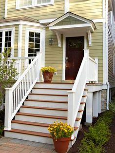 Nice wide steps for sitting when you don't have a big front porch to sit on! | Midwest Living