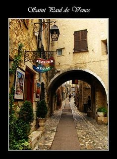 had a great bus ride to St. Paul de Vence with Lem when living in Nice. Small town but amazing views on the bus ride and there.