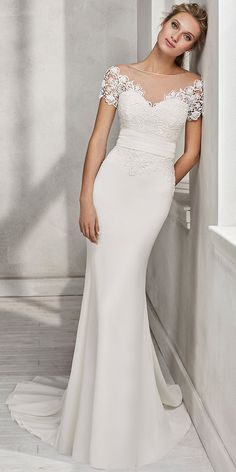Alluring Lace & Chiffon Jewel Neckline Natural Waistline Mermaid Wedding Dress